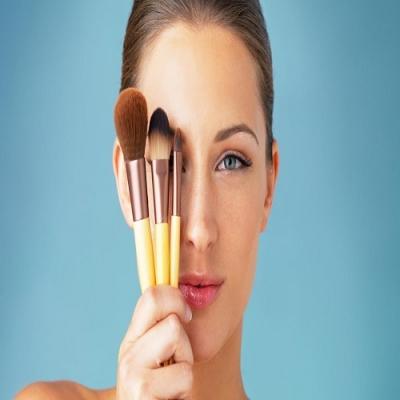 A Origem dos Acessórios de Maquiagem