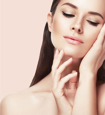 4 dicas para remover a maquiagem corretamente sem danificar a pele