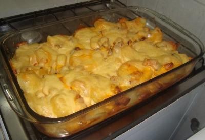 Batatas gratinadas com camarão - uma refeição deliciosa e muito prática!
