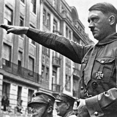 Saiba os times de coração (ou os que mais lhes convinham) de alguns ditadores da