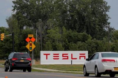 Ações da Tesla despencam após queda na entrega de veículos