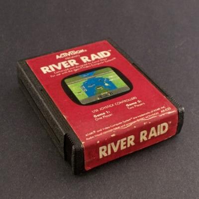 River Raid -  É considerado um clássico e um dos jogos mais populares.