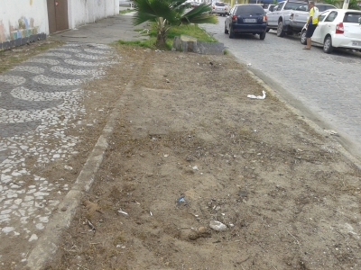 Prefeitura remove sujeira (Antes e Depois)