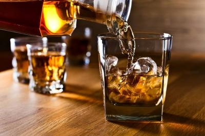 Estudo rebate teoria que consumo moderado de álcool é bom para a saúde