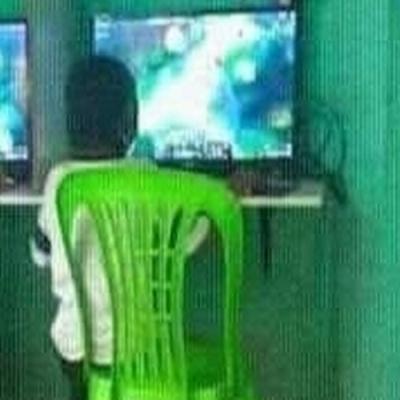 Quando só tem um PC disponível na lan house