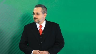 Ministro da Educação defende cobrança de cursos de pós-graduação em universidade