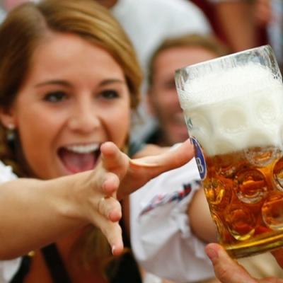 Beber com moderação é mais saudável do que não beber, diz pesquisa
