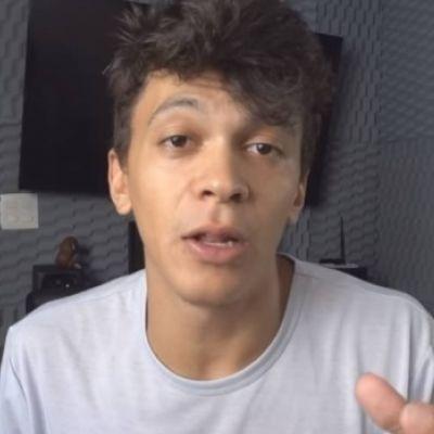 """Youtuber confessa """"vergonha"""" após ser acusado de racismo"""