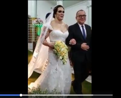 A GodZilla casamenteira