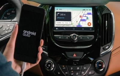 Usuários do Waze para Android Auto denunciam problemas com comando de voz