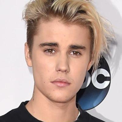 Justin Bieber está noivo de modelo quase brasileira