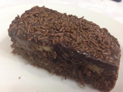 Bolo de chocolate com aveia