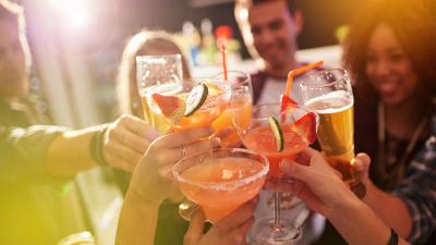12 drinks de baixa caloria para você não fugir da dieta