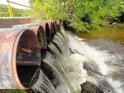 Devastação ambiental vem diminuindo oferta de água