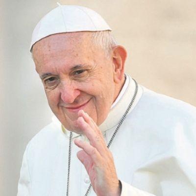 Grupo de 19 sacerdotes acusa papa Francisco de heresia