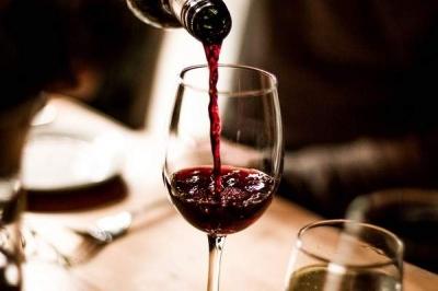 Alho e Vinho: Quais os benefícios a Saúde?