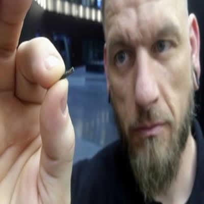 Grandes empresas britânicas planejam implantar microchips nos funcionários
