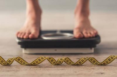 Dieta do jejum intermitente pode aumentar risco de doença comum no Brasil