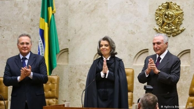 Cármen Lúcia se torna a 2ª mulher a ocupar a Presidência da República