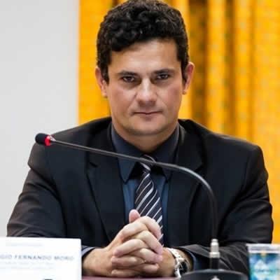 Bolsonaro volta a dizer que indicará Moro para o STF