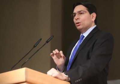 Embaixador de Israel exibe a Bíblia na ONU para provar direito dos judeus