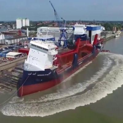 Veja INCRÍVEIS IMAGENS de navios sendo lançados ao mar!!!!