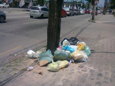 Poste do Lixo