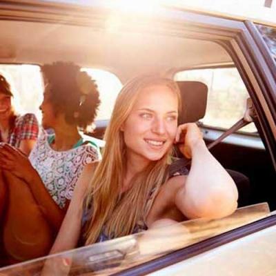 8 maneiras saudáveis de ficar acordado em uma longa viagem