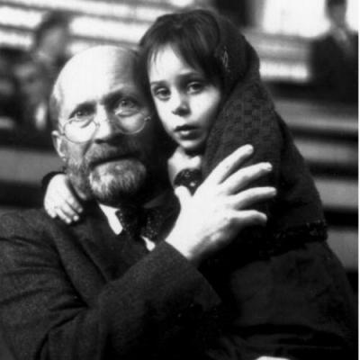 Saiba o porquê que Janusz Korczak, guiou 192 crianças até a câmara de gás?