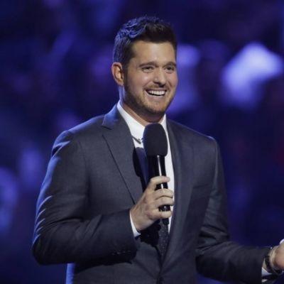 Michael Bublé diz que quase parou de cantar após câncer do filho