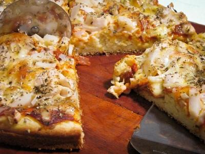 Pizza de liquidificador bem recheada