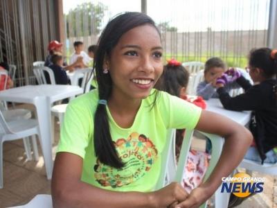 Moradora de favela ganha festa de 15 anos com ajuda de missionária