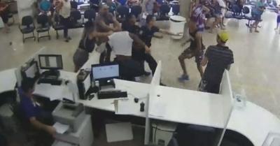 Homem causa tumulto em unidade de saúde após mãe reconhecer suposto estuprador