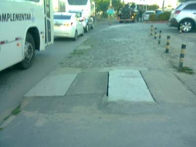Buraco na Avenida Recife foi fechado (Antes e Depois)