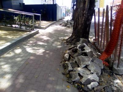 Pedras na calçada