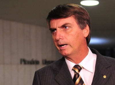 Bolsonaro rejeita ideia de taxar dízimos e ofertas