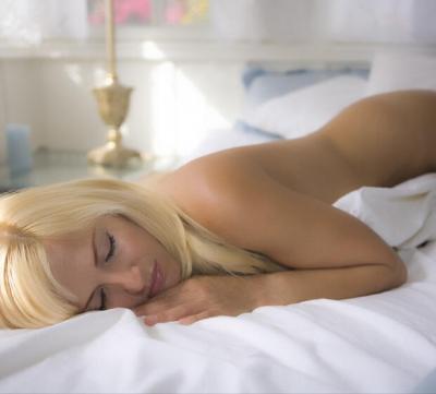 4 benefícios de dormir sem calcinha