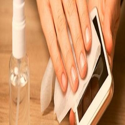 Como e por que você deve limpar o celular com frequência
