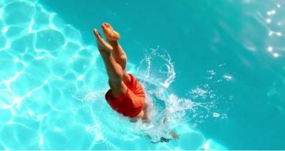 Pular na Água Gelada é Perigoso para a Pressão Arterial?