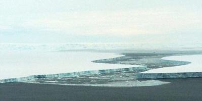 Um terço da plataforma de gelo da Antártica corre o risco de colapso