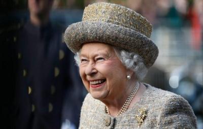 Rainha Elizabeth abre vaga de R$ 245 mil para cuidar de suas redes sociais