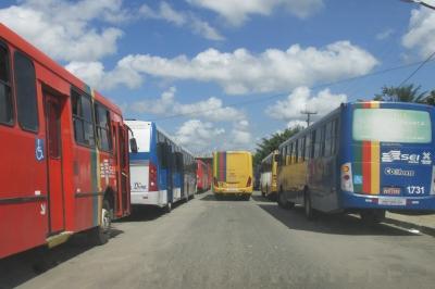 Polícia precisa agir nos ônibus