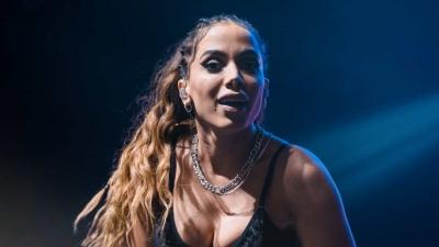 Anitta quase teve apresentação cancelada por falso positivo para Covid