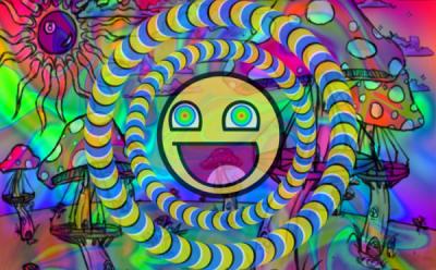 Artista mostra diferença em sua arte antes e depois de se drogar