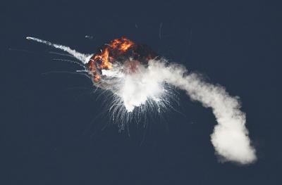 Foguete Firefly explode em sua primeira tentativa