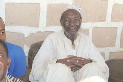 Novo chefe tribal cristão rompe práticas pagãs após 700 anos, em Gana