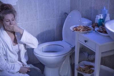 Bulimia: o que é, principais sintomas, causas e tratamento
