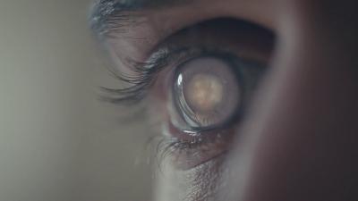 Cientistas criam lentes de contato robóticas que dão zoom