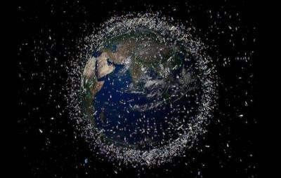 Lixo espacial pode estar deixando o céu mais brilhante, afirma astrônomo