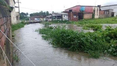 Os rios estão perdendo espaço para o crescimento das cidades